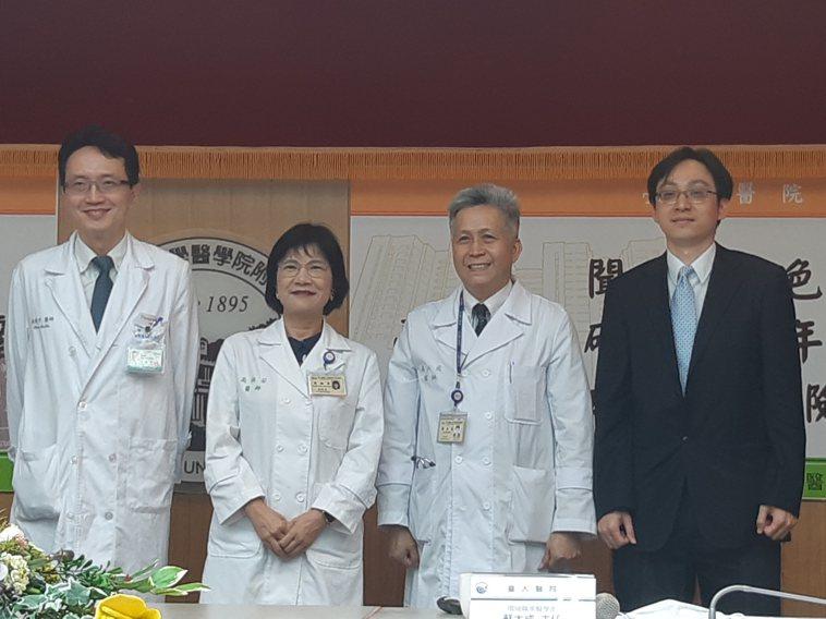 左起為恩主公醫院副院長林建宇、台大醫院副院長高淑芬、台大醫院環境職業醫學部主任蘇...