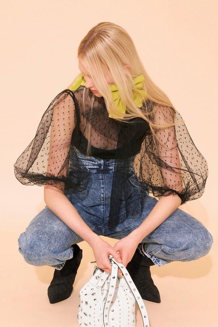 REDValentino早秋推出不少蓬蓬的抓皺花苞公主袖設計。圖/REDVale...