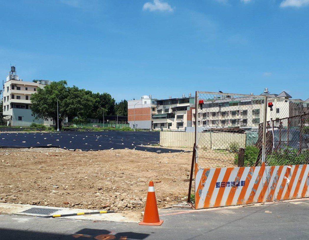 南投縣藍田街市地重劃工程開發總經費近9000萬元,預計今年9月可望完工。記者賴香...