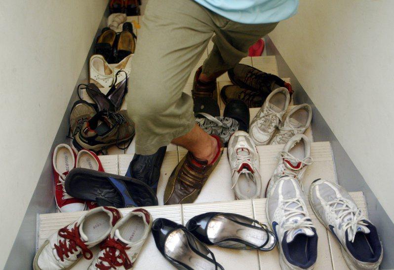 自家的鞋子不是雜物?高院曾打臉地院。圖/聯合報系資料照片