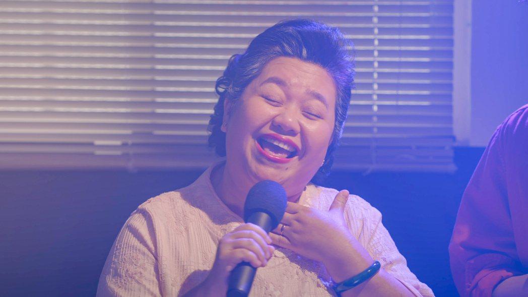 鍾欣凌模仿「超級星光大道」主持人陶晶瑩,粉絲大讚完成度很高。圖/公視提供
