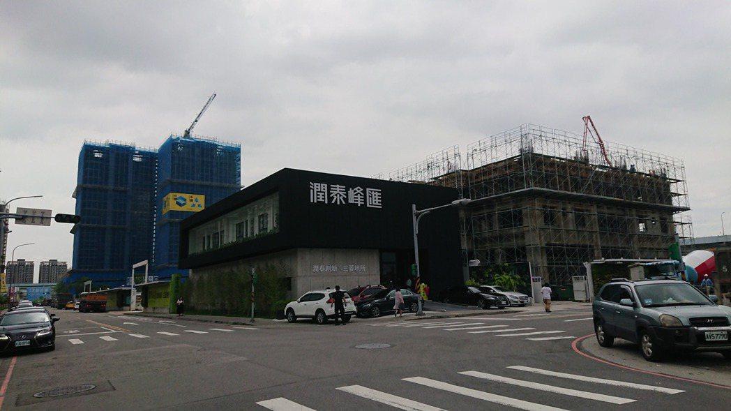 潤泰新在江翠北側重劃區推的「潤泰峰匯」,目前僅剩六戶可售,預計明年首季完工挹注營...