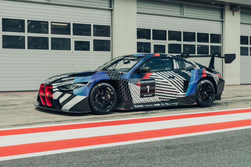 全新世代M4 GT3原型賽車也一併在這次大獎賽登場。 摘自BMW