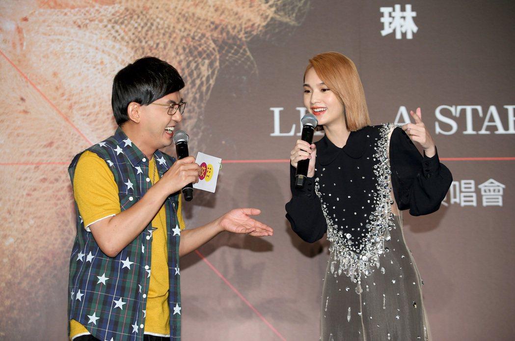 楊丞琳(右)今年11月將邁入演藝生涯20周年,將在台北小巨蛋舉辦「LIKE A ...