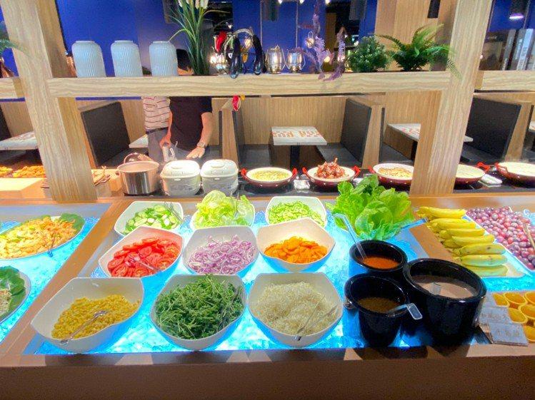 生菜蔬果區有28種可供選擇。 圖/我家牛排官網