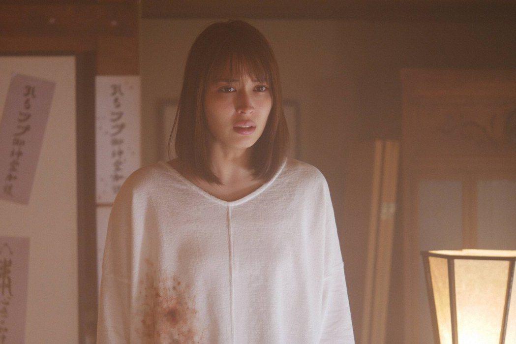「世界奇妙物語」,圖為女星廣瀨愛麗絲。圖/擷自推特