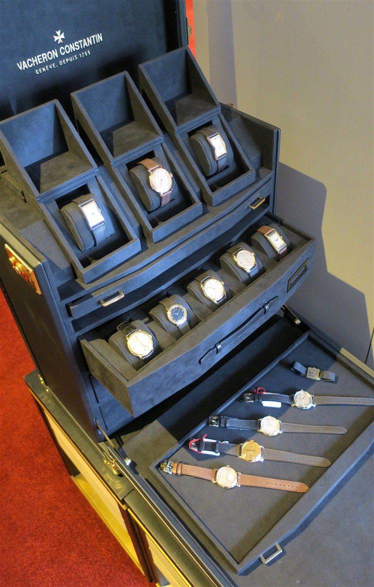 現場一口氣展出21只古董時計與懷表,年代橫跨1923到1993年。記者釋俊哲 /...