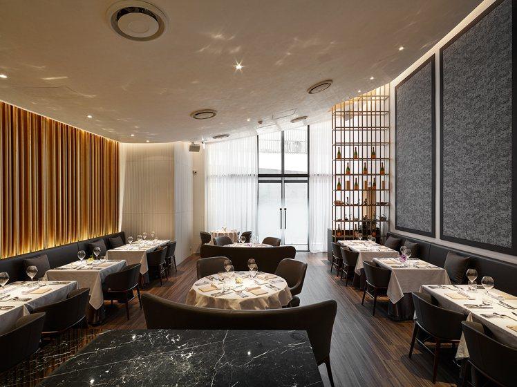 鹽之華用餐空間,由國際建築團隊spatio practice打造。圖/鹽之華提供