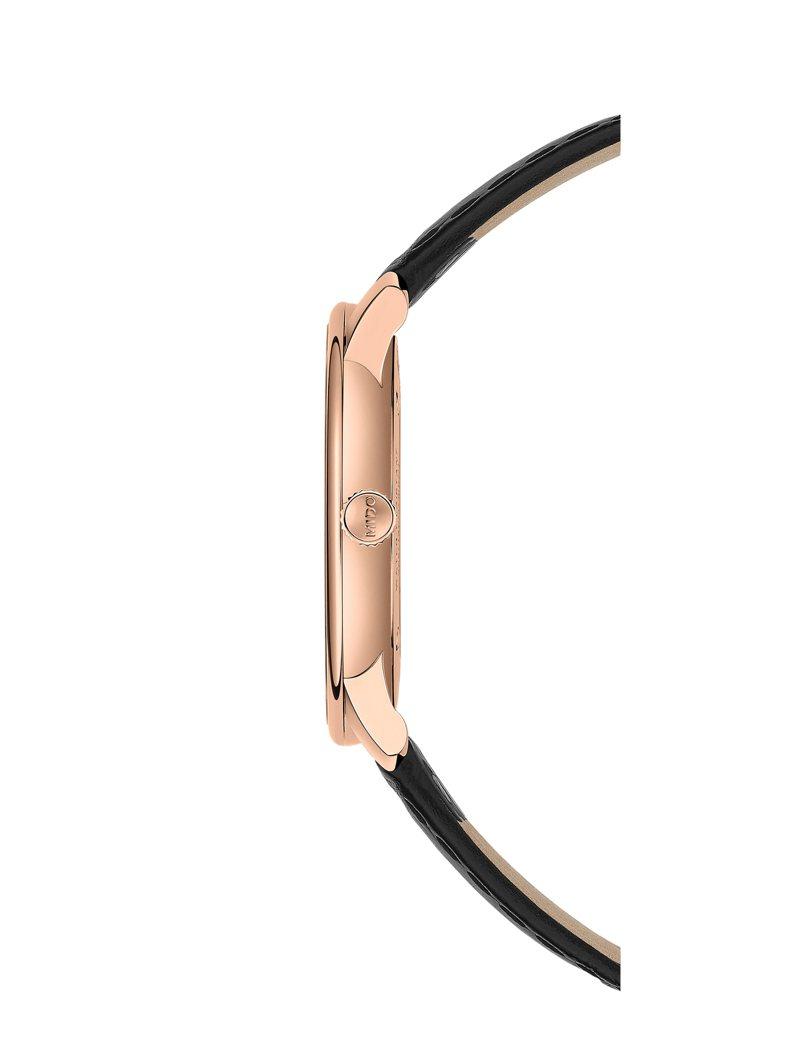 ETA 7001手上鍊機芯僅2.5毫米,是這枚手上鍊腕表纖薄的關鍵之一。圖/MIDO提供