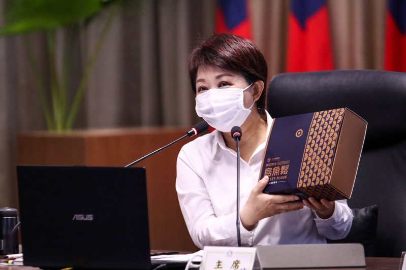 盧秀燕表示台中漁港不少漁產好吃又營養,她常當伴手禮致贈給貴賓。圖/台中市政府提供