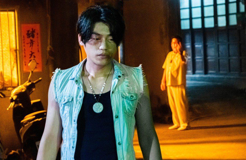 謝章穎詮釋少年李康生。圖/華影國際提供