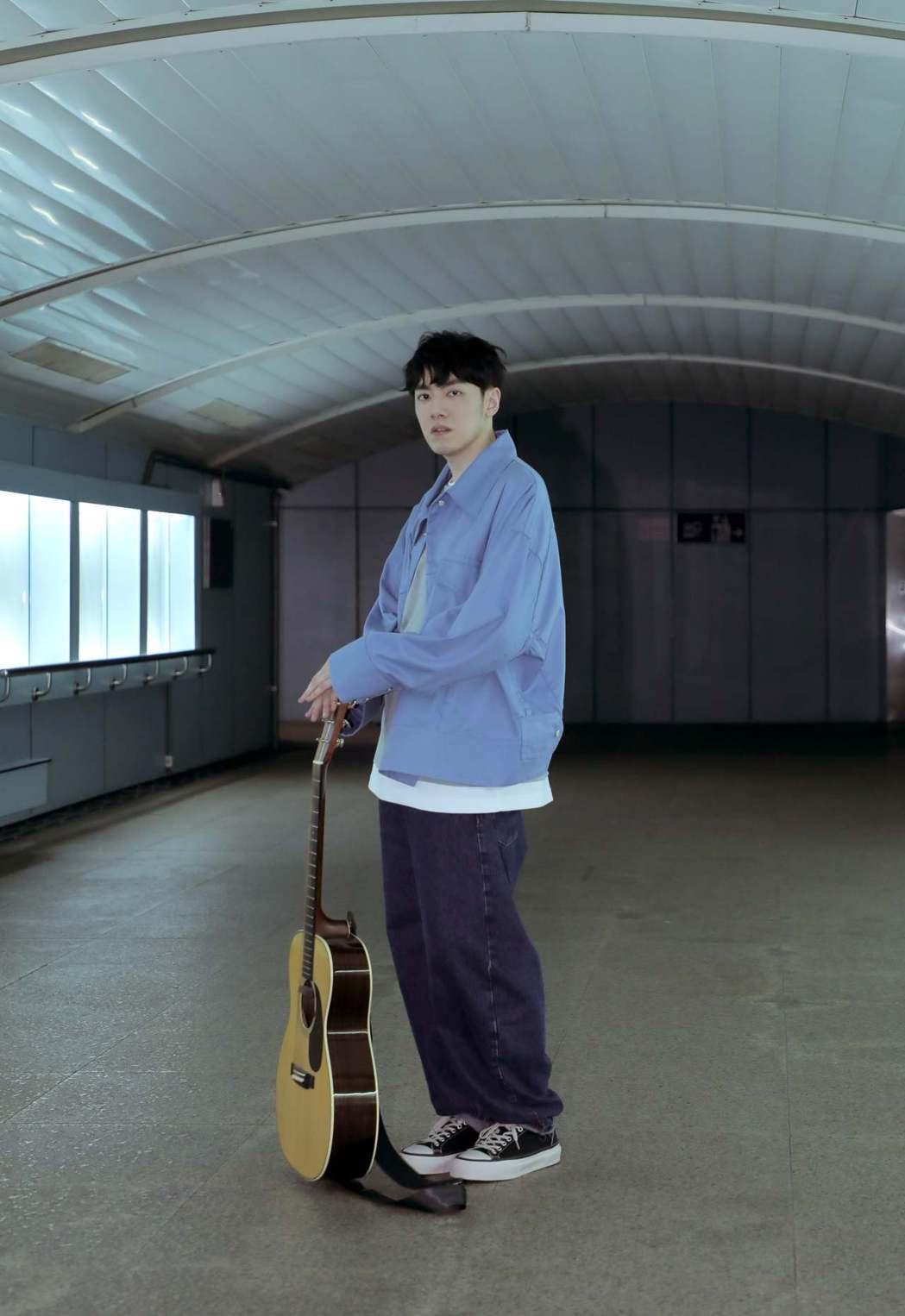 李友廷磨了5年才推出完整版新歌「直到我遇見了你」。圖/華研提供