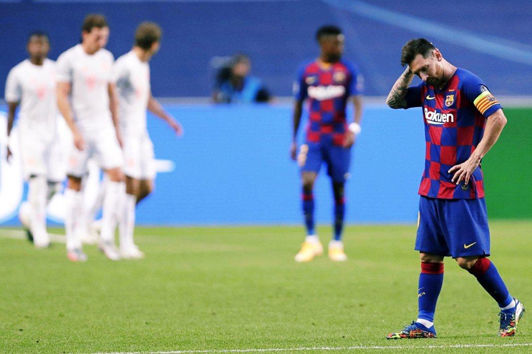 在歐足壇疫情解禁恢復比賽後,欲振乏力且分崩離析的巴塞隆納,則接連輸掉了領先大半賽...