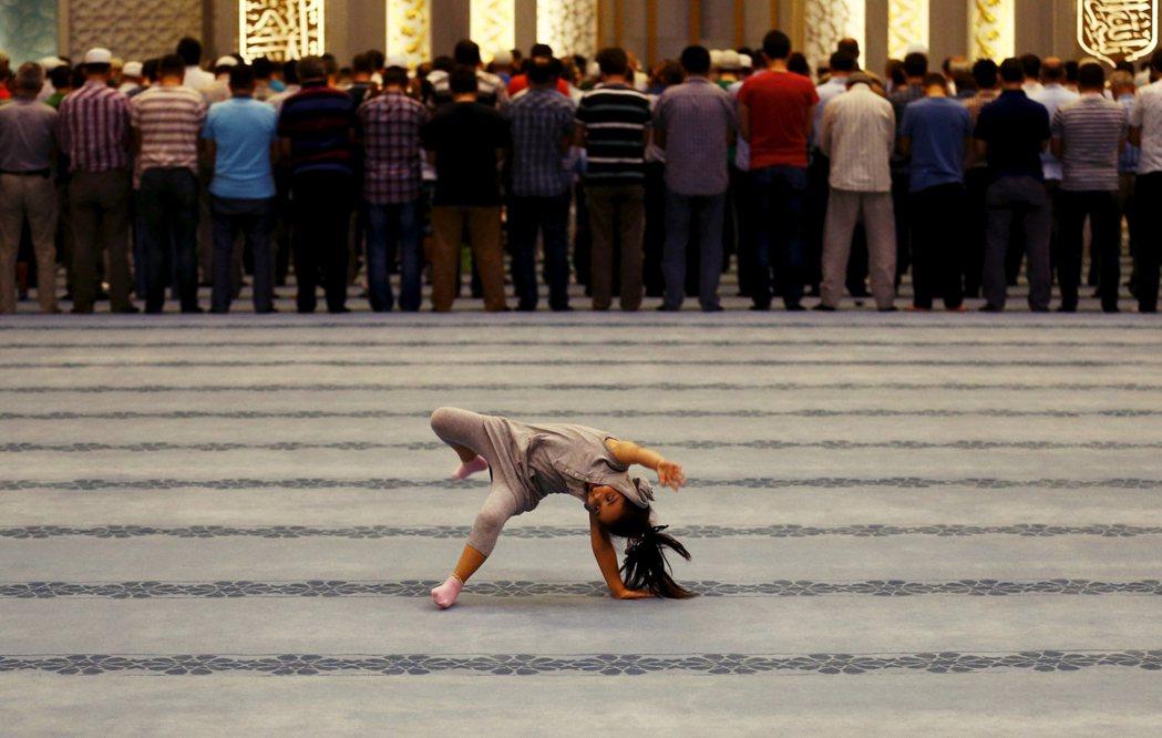 謬誤解讀信仰意涵,往往會成為滋養仇女問題的偏見種子,此一狀況並不限於特定宗教或國...