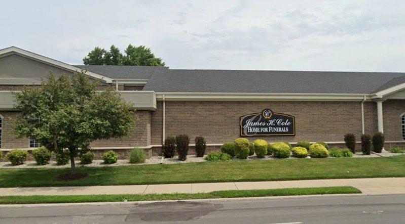 在宣布死亡後,20歲的包夏姆被帶到底特律的一家殯儀館。 圖截自Google街景