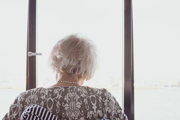「優雅地老去」只是種奢求,真實情況是:財務狀況、家庭關係、自我調適甚至運氣,這些...