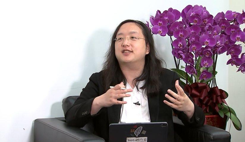 5G美好應用! 專訪唐鳳「電磁波存在生活中」免擔心。《5G衝一波》/提供