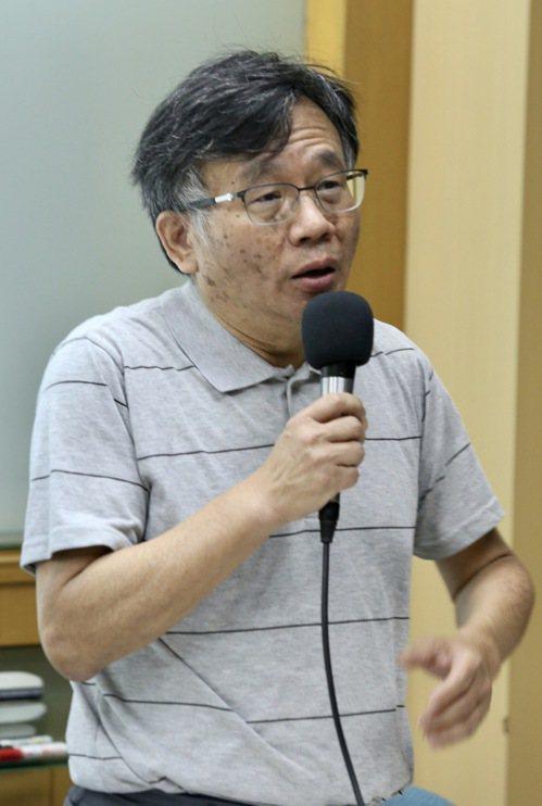 台灣大學公共衛生學院陳秀熙教授。 聯合報記者黃義書/攝影