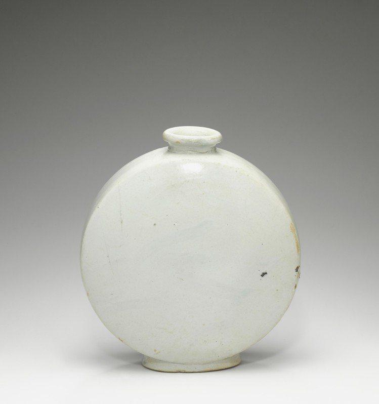 紐約邦瀚斯「日韓藝術」焦點拍品日本私人收藏的十八世紀白釉抱月瓶,估價80,000...