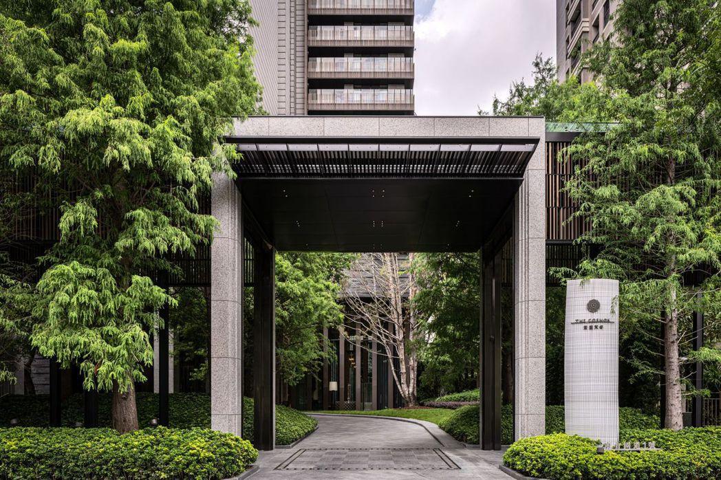 內政部最新實價登錄顯示,寶璽天睿躍居台中新豪宅王。圖/建商提供