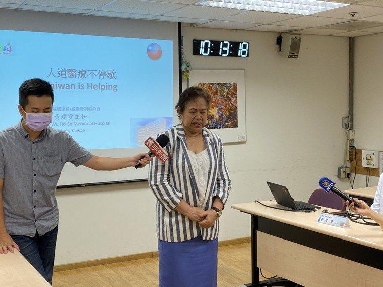 帛琉駐台大使歐克麗女士(右),今特別前來致意,表達對新光提供人道醫療救助的感謝。...