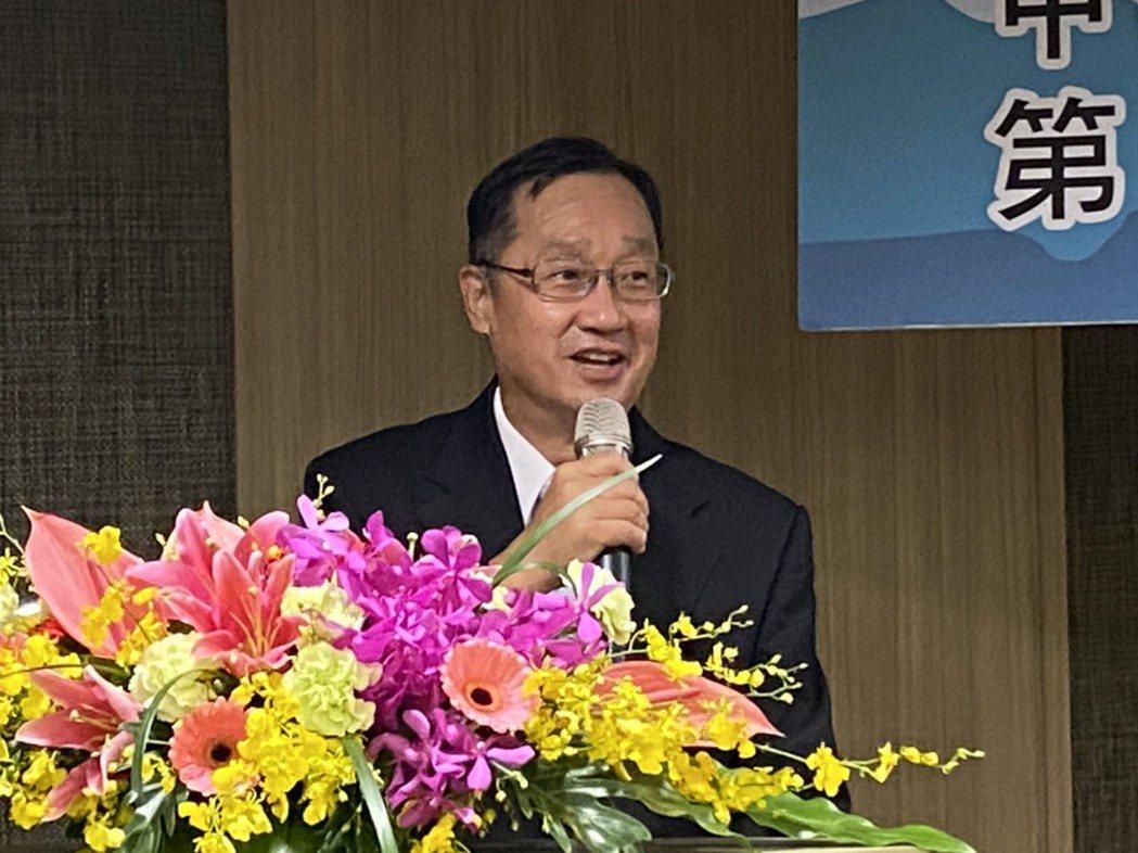 保發中心董事長桂先農上午在壽險公會會員大會上致詞。記者陳怡慈/攝影