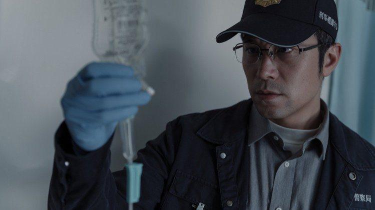 張孝全以「誰是被害者」入圍戲劇類男主角獎。圖/Netflix提供