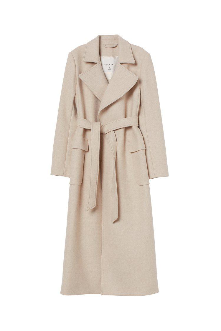 H&M與Giuliva Heritage聯名系列長版風衣4,999元。圖/H&M...