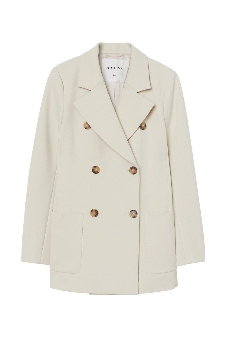 H&M與Giuliva Heritage聯名系列大衣,價格電洽。圖/H&M提供