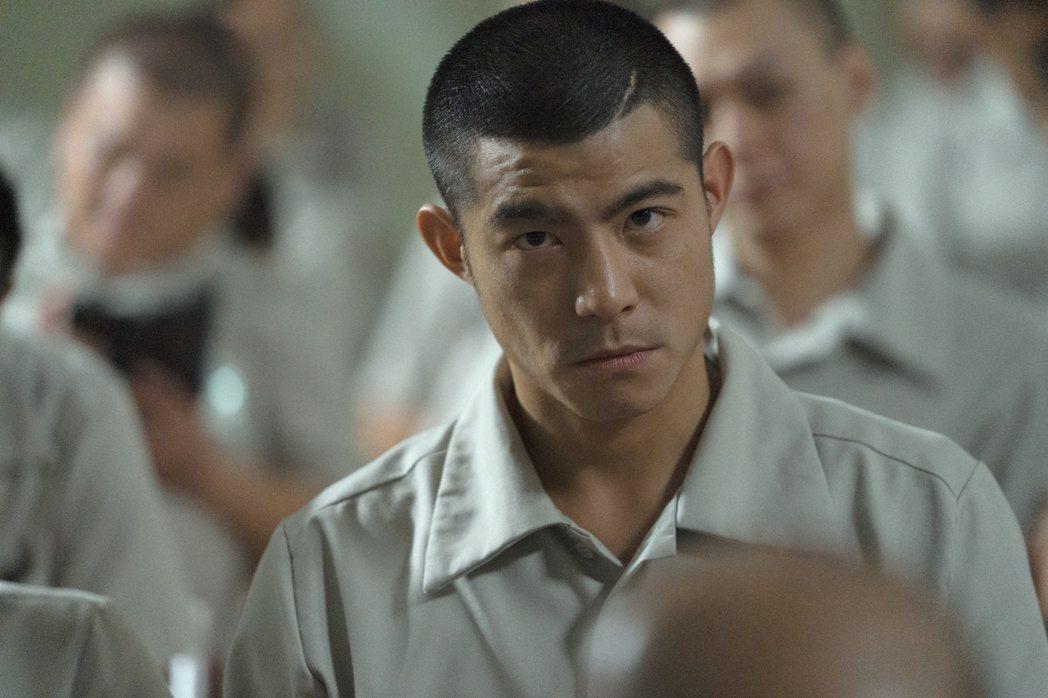 王柏傑在「罪夢者」中飾演逞兇鬥狠的黑道份子。圖/Netflix提供
