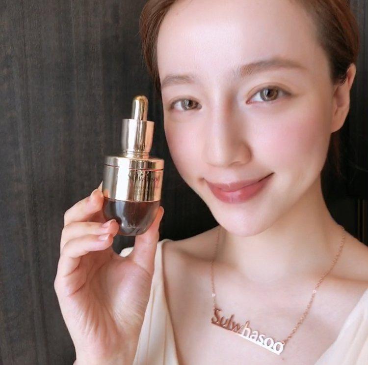 雪花秀滋陰生人蔘縮時修護安瓶,28天周期讓肌膚透出好氣色。記者劉小川/攝影