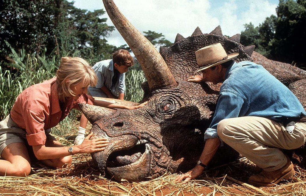 史蒂芬史匹柏執導的「侏羅紀公園」曾經刷新票房紀錄。圖/摘自imdb