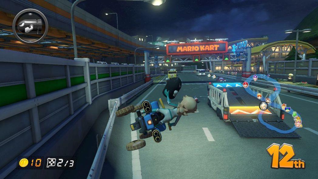 玩《瑪利歐賽車 8 豪華版》的時候,你可能會有種「好像在哪兒見過...」的既視感...
