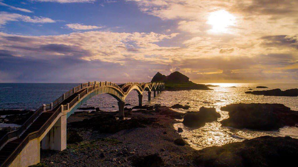 八仙台風景區,各項景觀使得台東觀光產業蓬勃發展。 圖/台東觀光旅遊網 提供