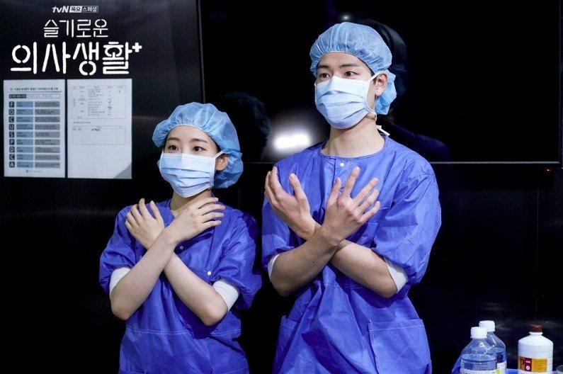 2020上半年韓劇《機智的醫生生活》熱播之時,韓國也正籠罩在新型冠狀病毒的威脅之...