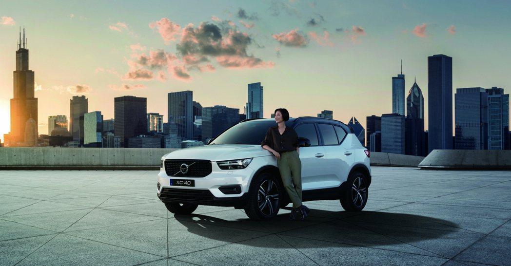 全新年式 Volvo XC40 T3 與桂綸鎂領銜主演「讓世界搭上我的節奏」廣告...