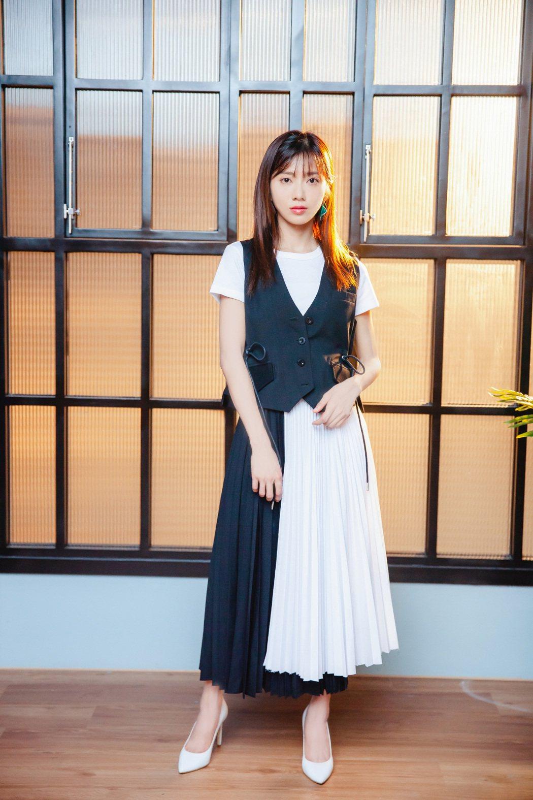 蔡黃汝推出新歌「煙火」。圖/繁星浩月提供