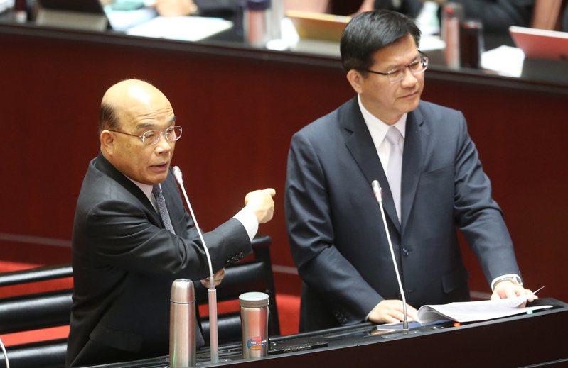 林佳龍(右)接任交通部長後,與行政院長蘇貞昌(左)之間,「蘇龍」緊張關係從人事、預算都能看見端倪。圖/聯合報系資料照片