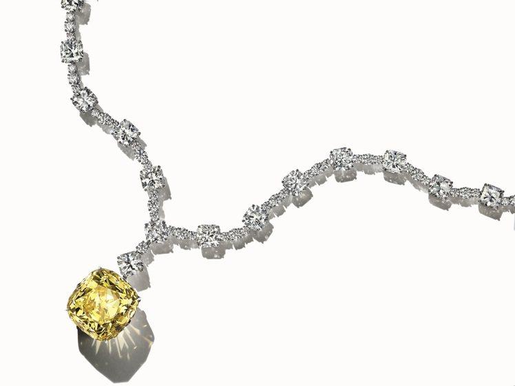 Tiffany重達128.54克拉的TiffanyDiamond傳奇黃鑽項鍊。圖...