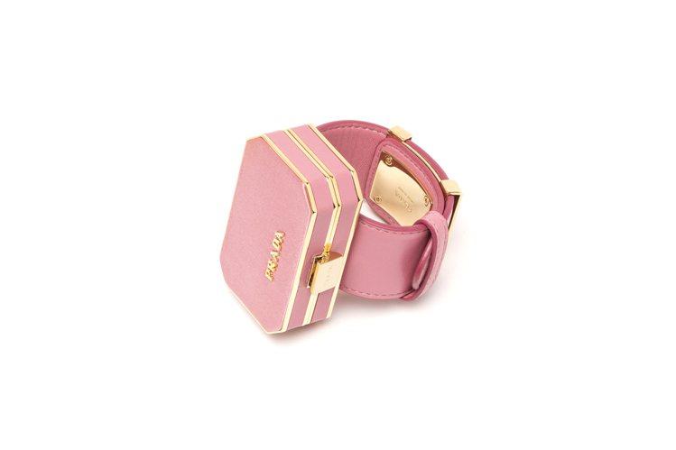 粉色迷你珠寶盒手飾。圖/PRADA提供