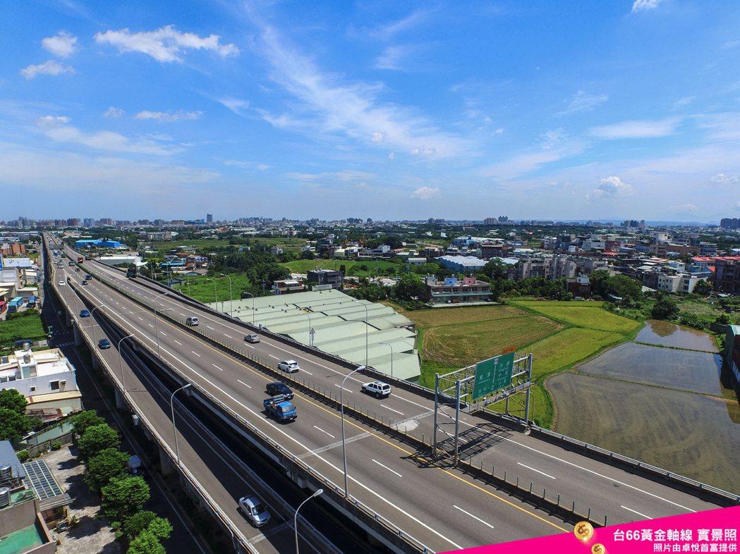 「卓悅首富」立地於桃園南平鎮核心,享有台北商業大學特區生活機能。圖/業者提供
