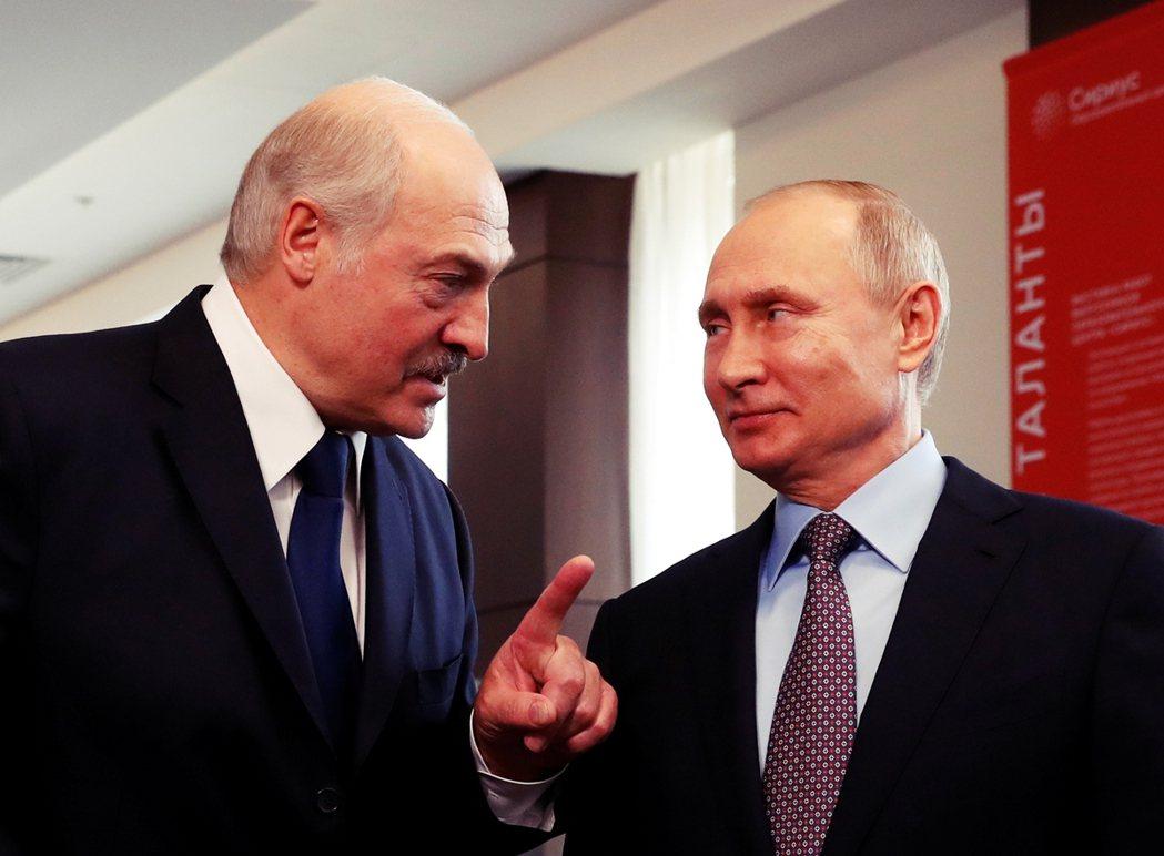 普丁首度「公開表示」俄國有意派出部隊進入白俄羅斯——在國際社會的解讀中,這也被認...