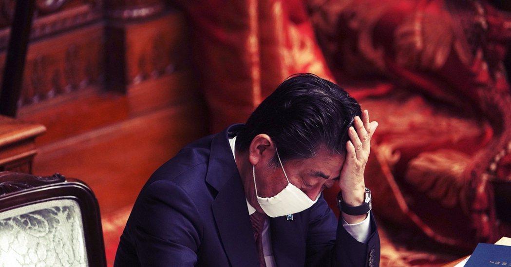 震驚與錯愕之間,正重新表演著日本經典的「政壇謀算」。 圖/美聯社