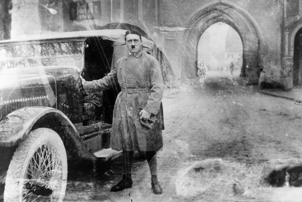 「後來的歷史告訴我們『希特勒是魔頭』...但如果你親自與他交過手,你有把握不會錯...