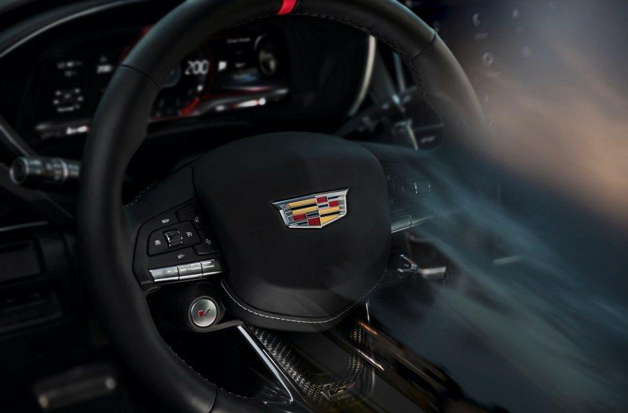 Cadillac提供