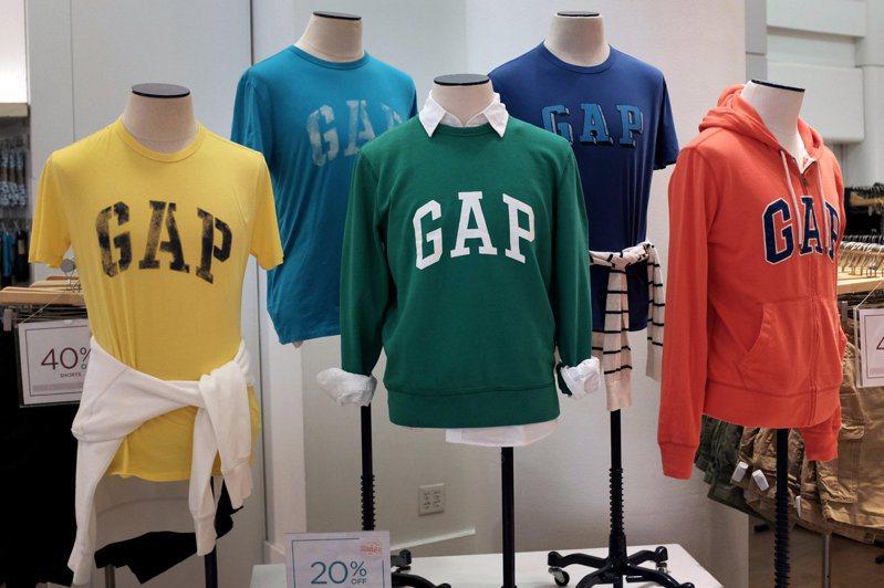 Gap上季同店銷售優於市場預期,受惠於Old Navy和Athleta的線上銷售躍增。路透