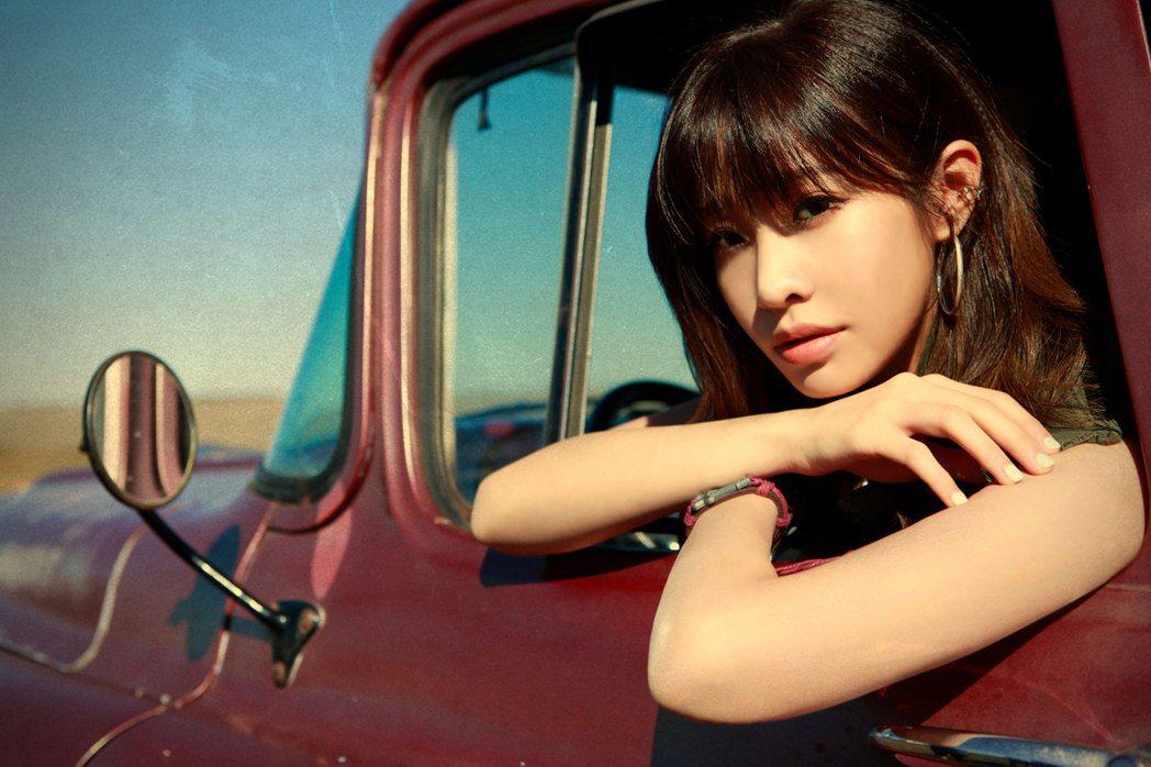 袁詠琳推出新歌「21天」。圖/杰威爾提供