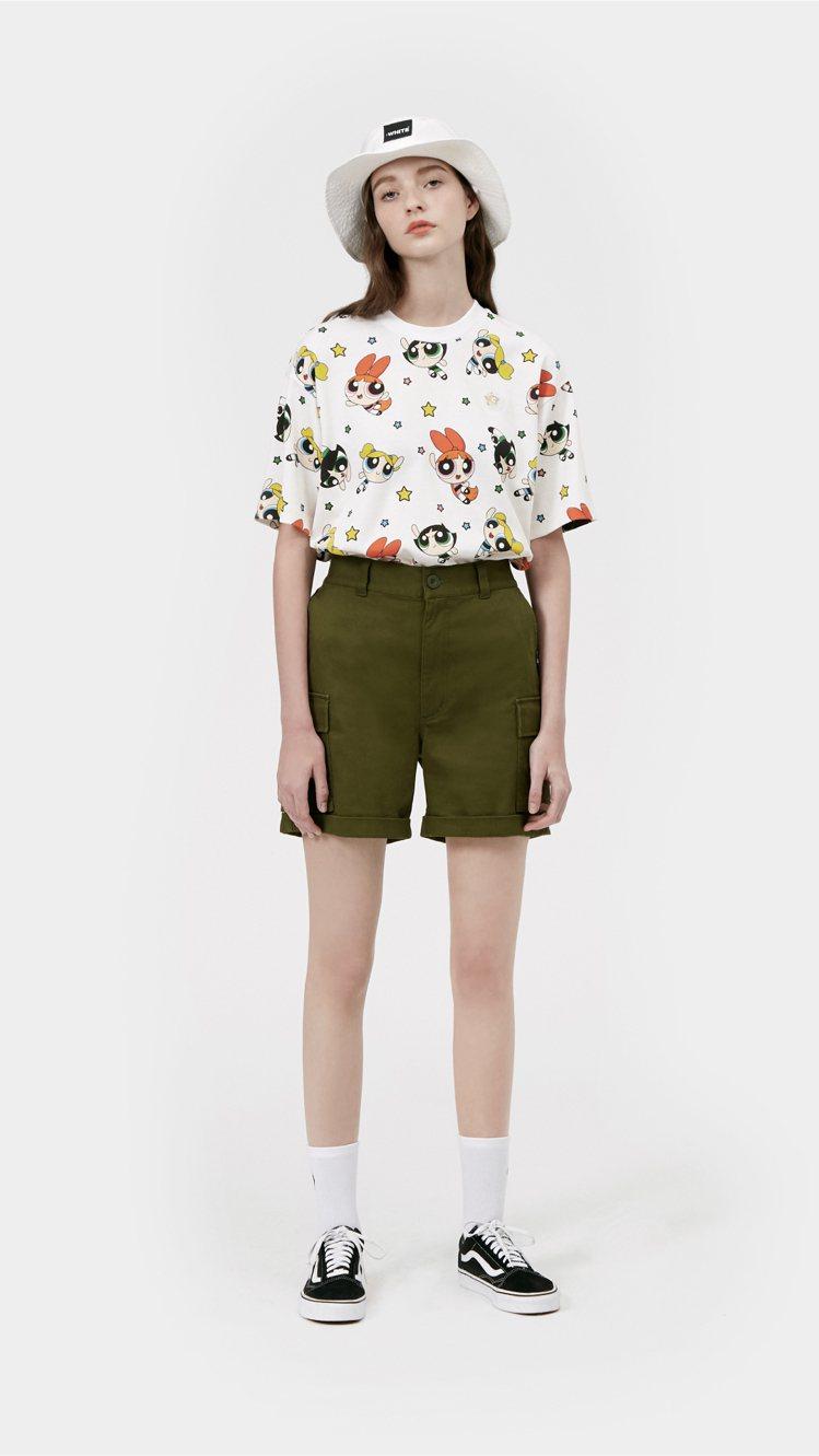 :CHOCOOLATE與飛天小女警聯名系列印花T恤1,499元。圖/i.t提供