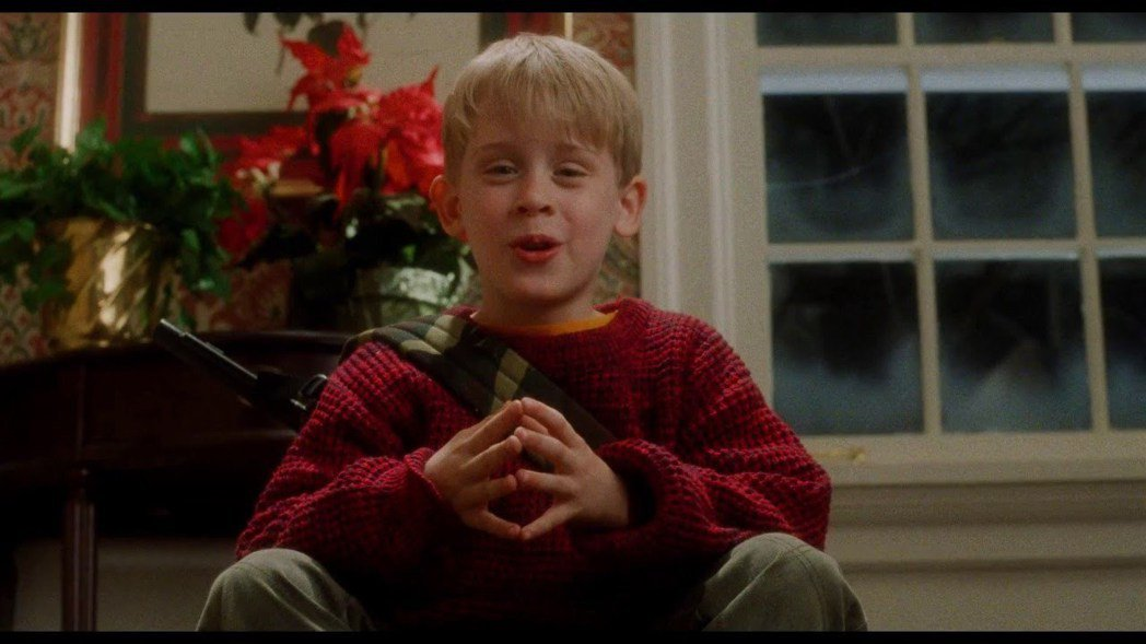 「小鬼當家」首集在美國上映時,麥考利克金才10歲。圖/摘自imdb