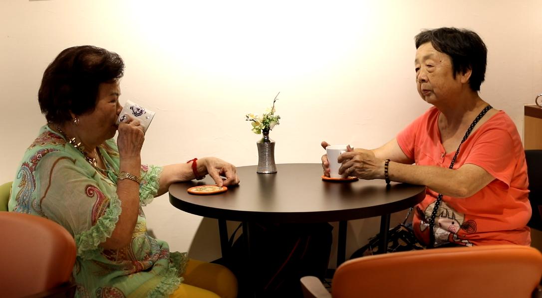 在春天咖啡館,可以喝免費咖啡,還可以和社區的老人家交流。記者陳郁菁╱攝影